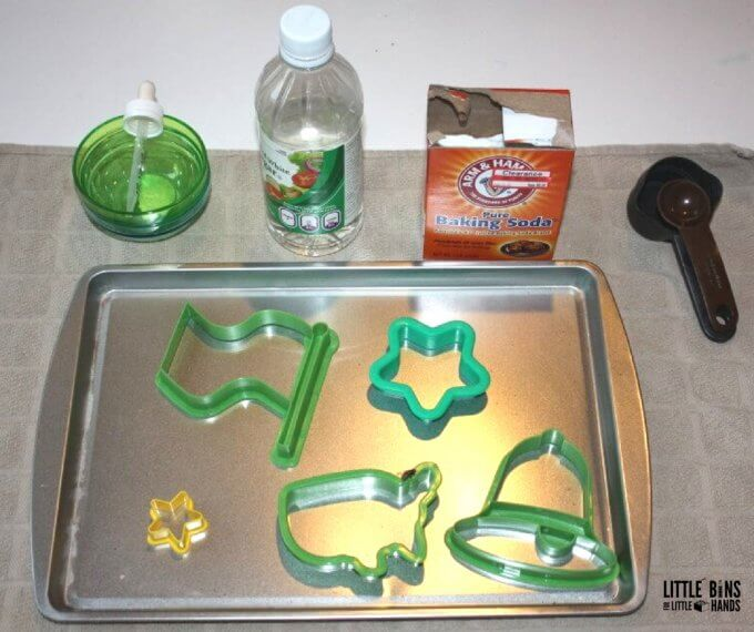 4th of July Baking Soda Science Set Up