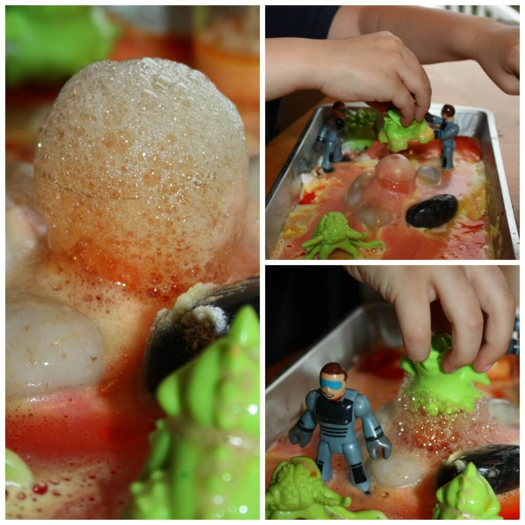 Space Baking Soda Science Pretend Play