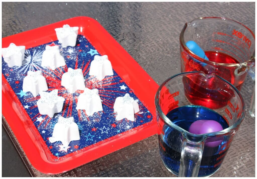 Frozen Stars Baking Soda Science Set Up