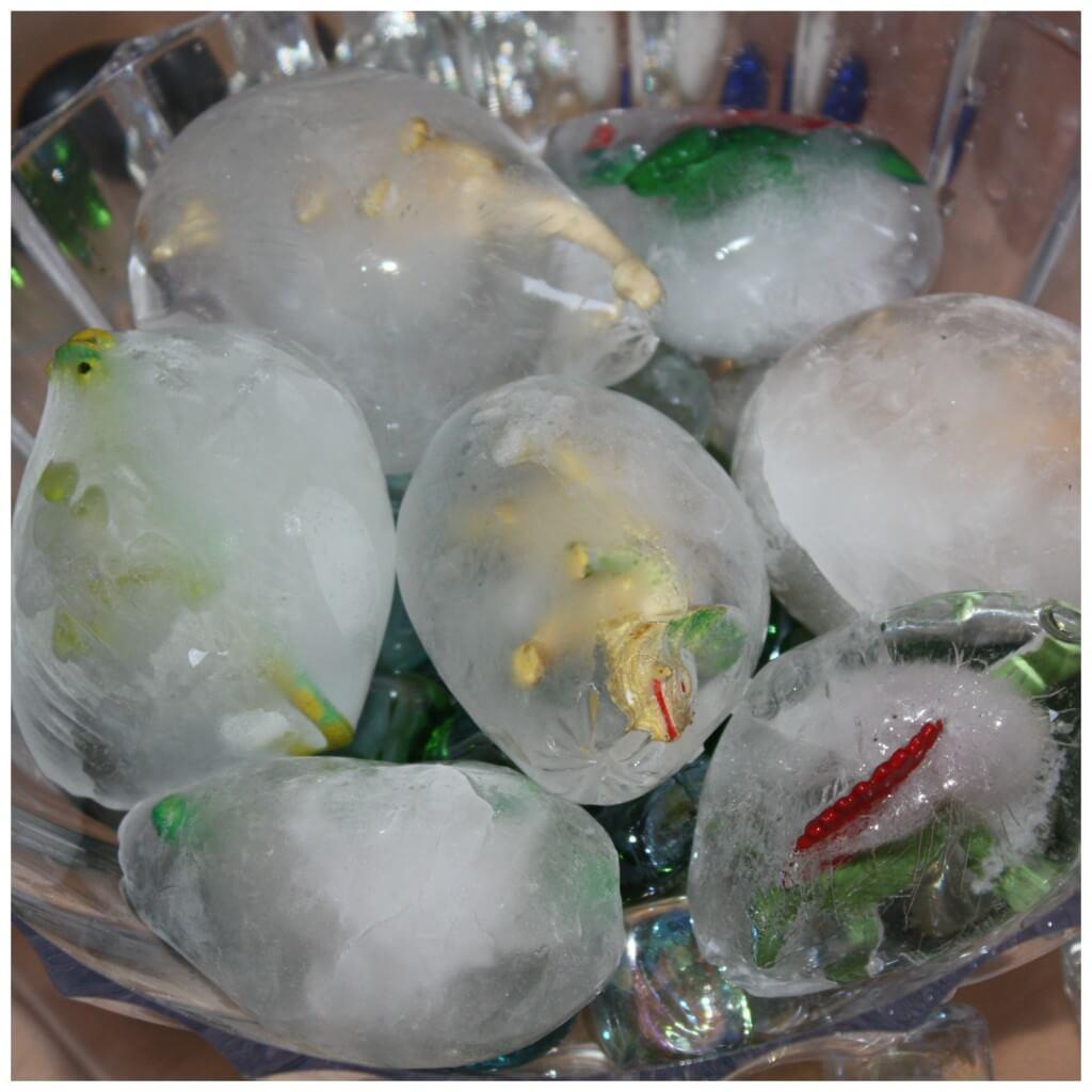 Dinosaur Eggs frozen Sensory Set Up