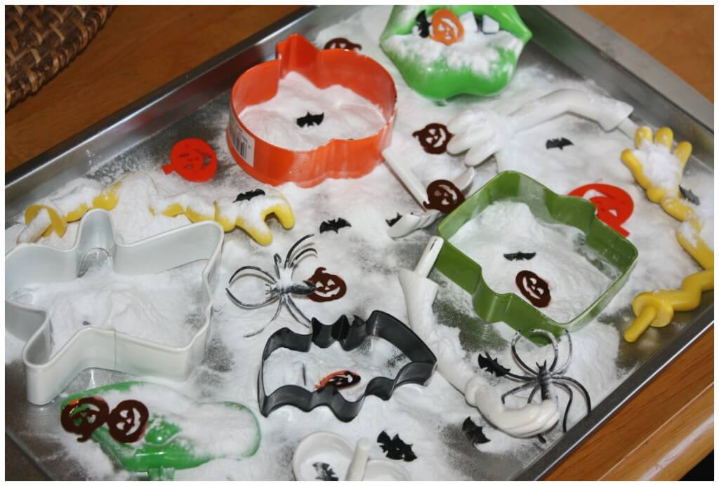 Fizzy Halloween Science Sensory Tray Set Up With Cookie Cutters And Baking Soda