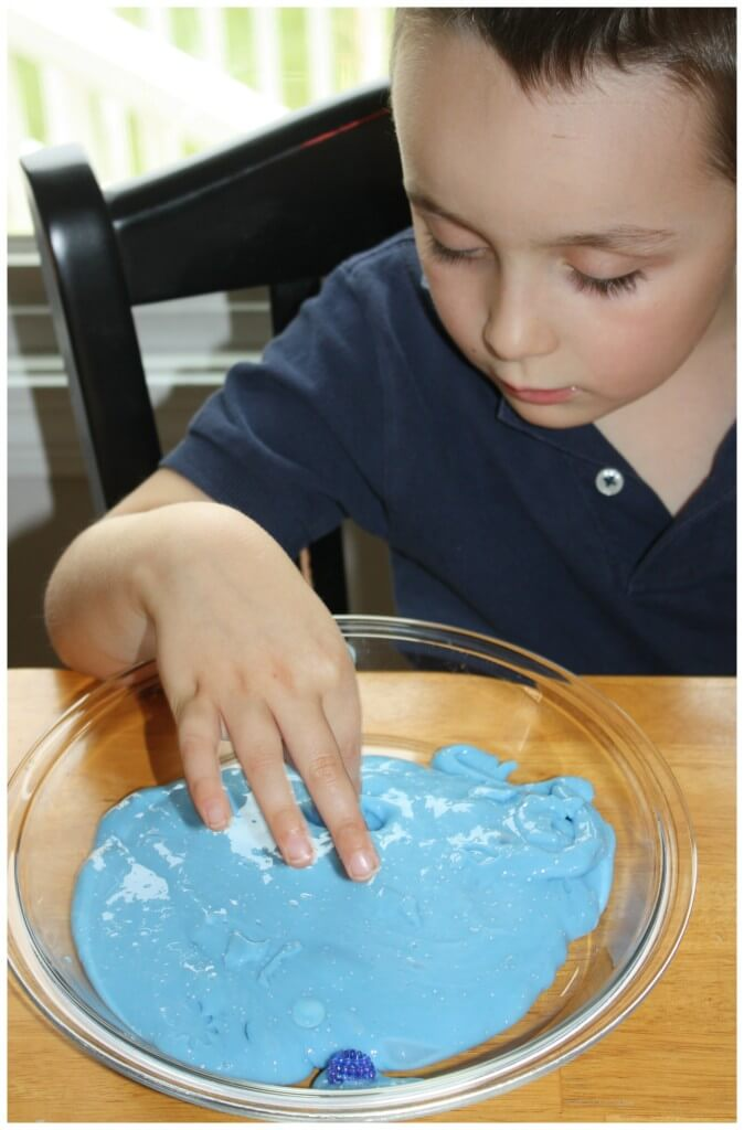 Frozen Winter Theme Easy Slime Texture Play