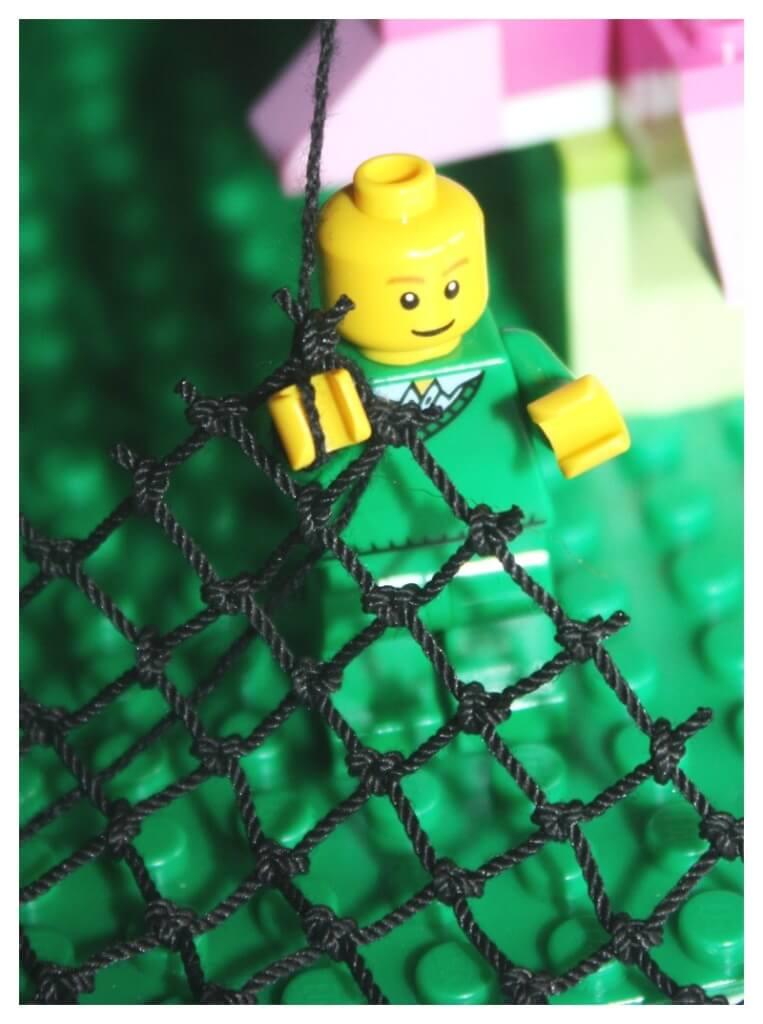 Lego Leprechaun Trap Minifigure with Net and string