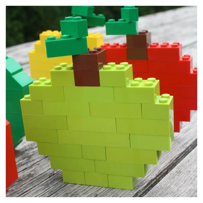 Build a Lego Apple with basic bricks