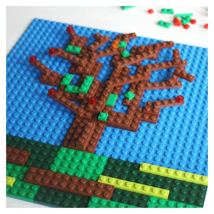 Making LEGO tree mosaic apple tree picture with LEGO pieces