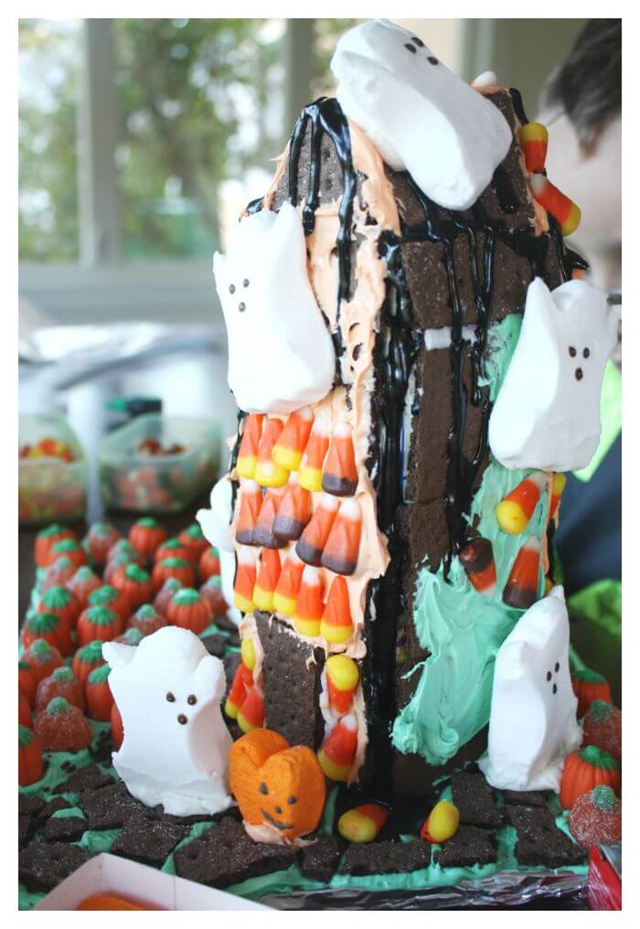 Halloween Ginger Bread Haunted House Activity with Graham Crackers