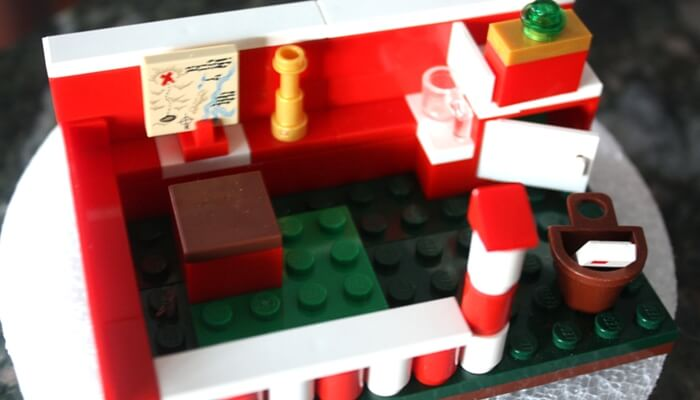LEGO Christmas Santa Workshop Building Idea