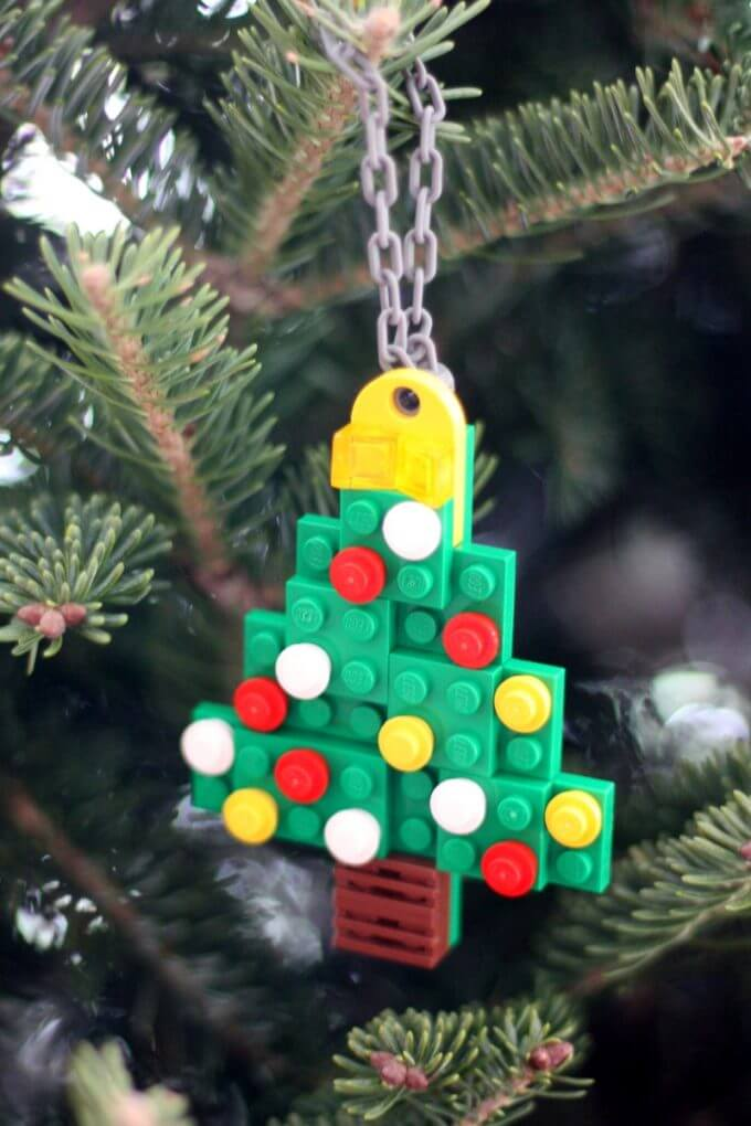 Make LEGO Christmas Tree Ornament