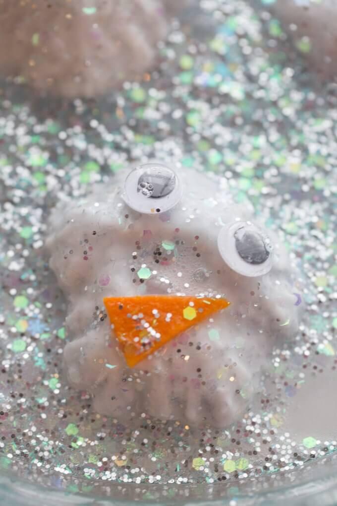 baking soda snowmen melting science
