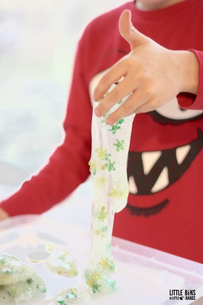 Make slime for easy kids science activity to explore chemistry!