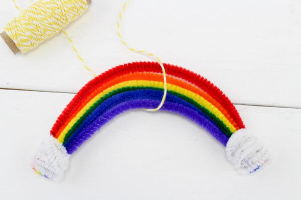 rainbow made from pipe cleaners