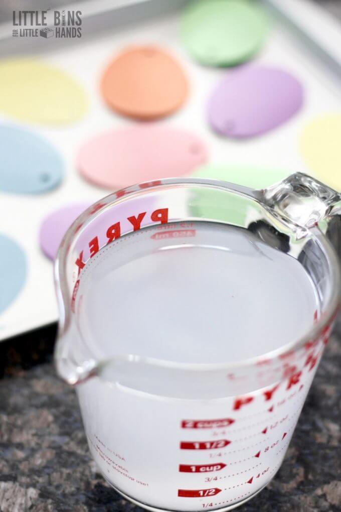 Saturated salt solution for growing salt crystals
