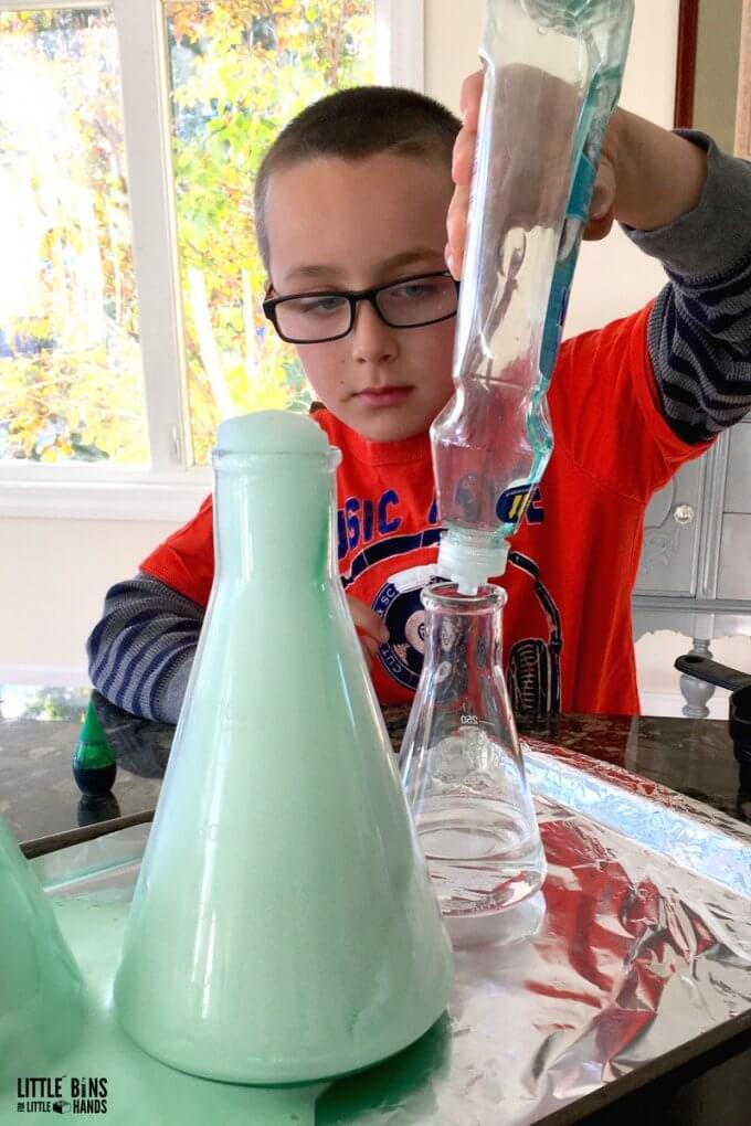 Halloween Chemistry Experiment : Adding Dish Soap