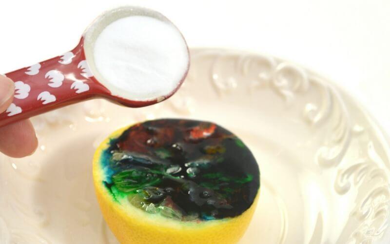 Kitchen chemistry with a lemon volcano