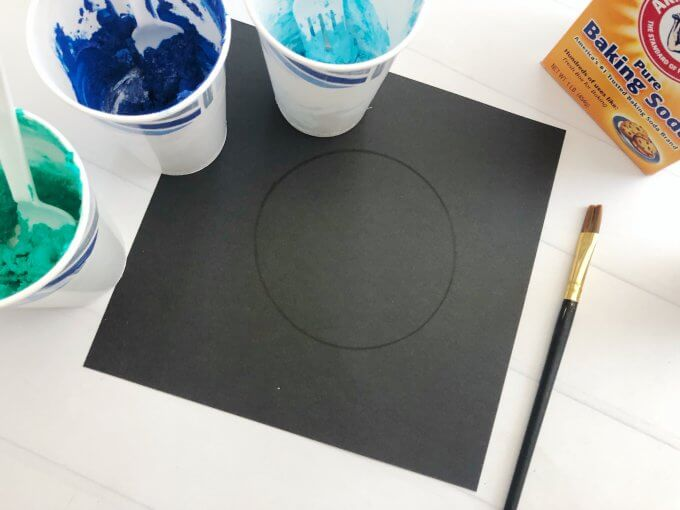 draw a circle on black cardstock