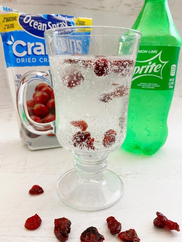 Watch what happens to the cranberries in the Sprite.