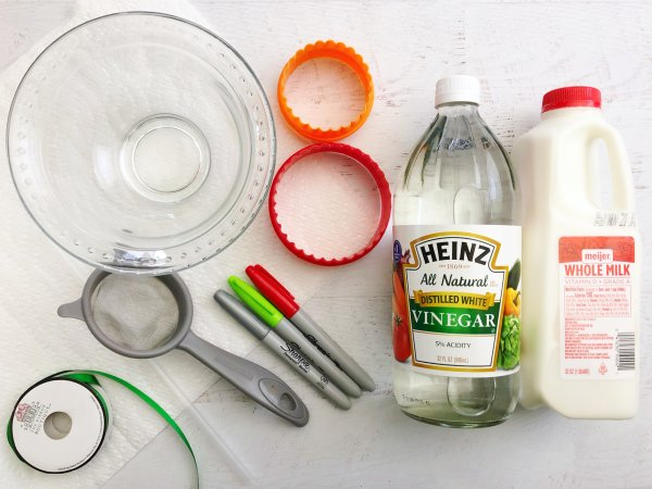 Ingredients for milk and vinegar ornaments