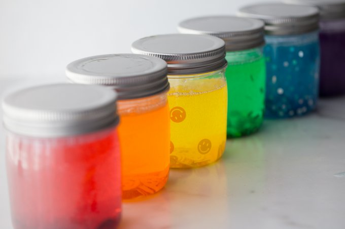 Easy To Make Gliiter Jars For A Calming Activity With Kids